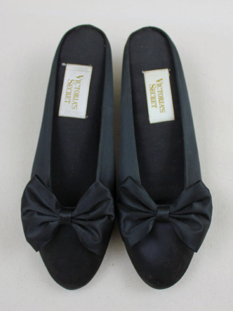 Satin bow slip-ons