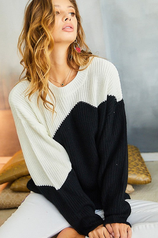BLACK/WHITE COLORBLOCK SWEATER