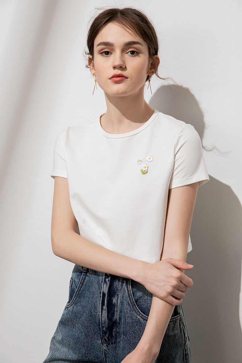 Petite Daisy White Embroidered Crop Tee