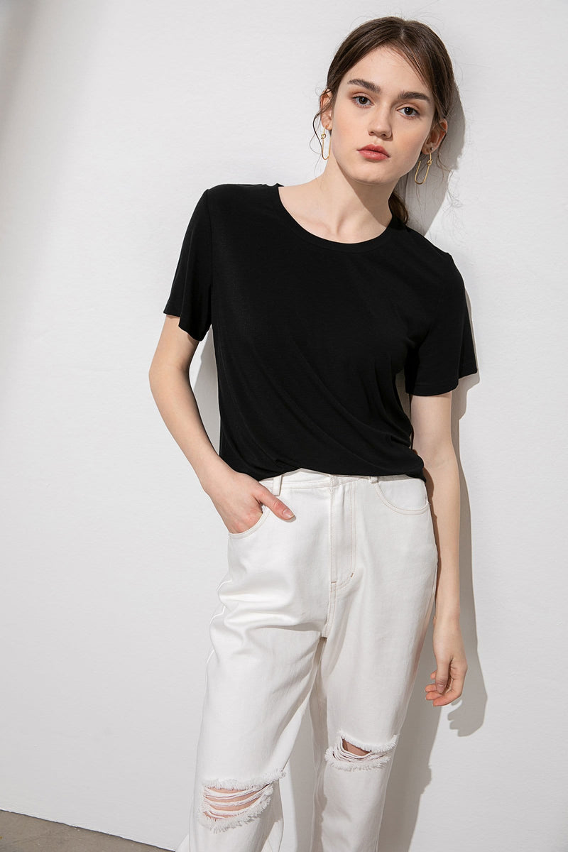 Essential Black Round Neck Tee