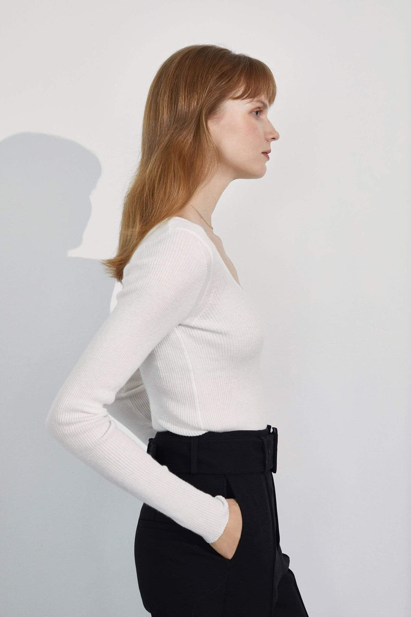 Essential White Round Neck Sweater