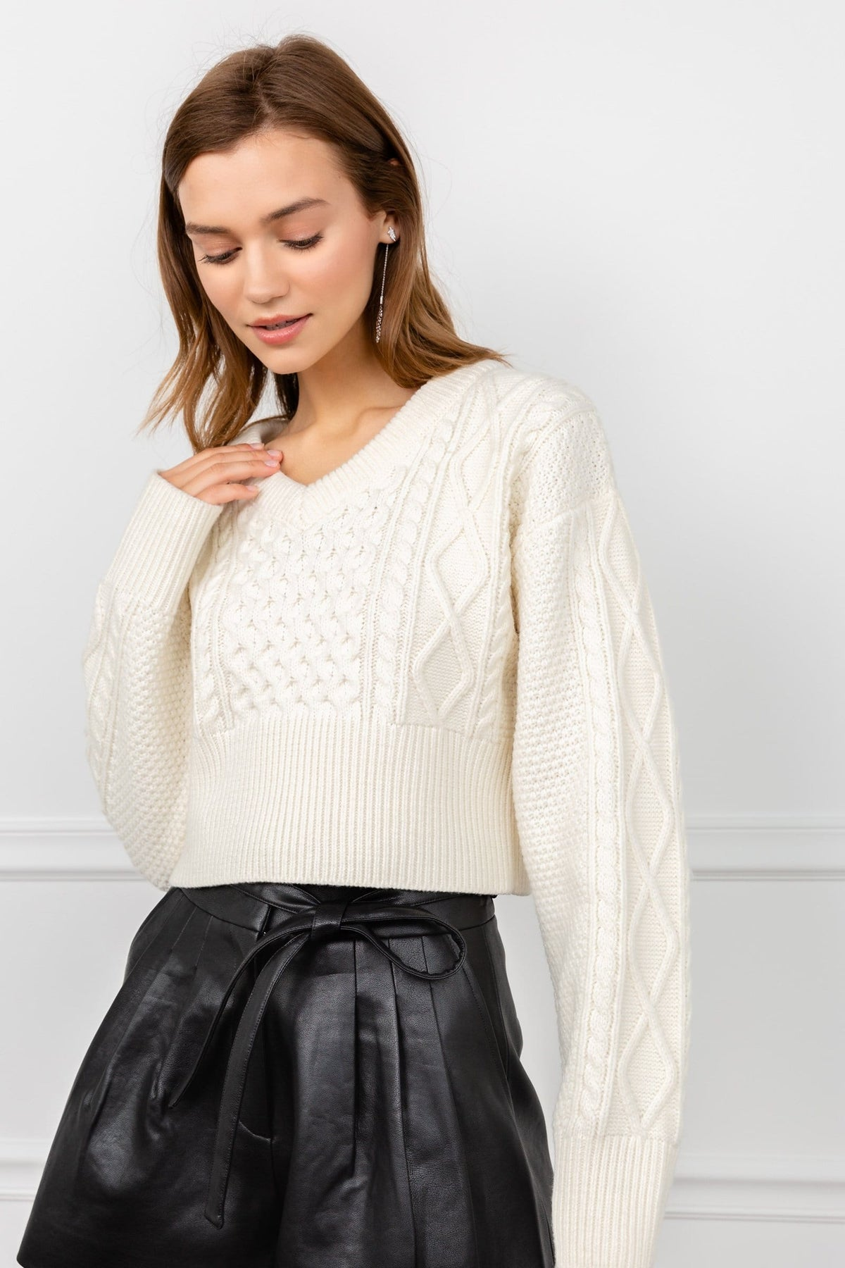 White Ribbed Cable Knit Cropped Sweater | J.ING Women's Knitwear