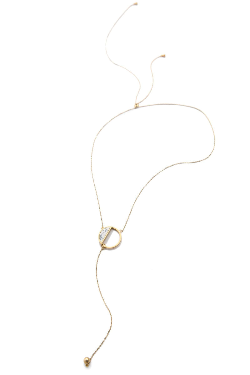 Gold necklace with half circle | J.ING Women's Accessories
