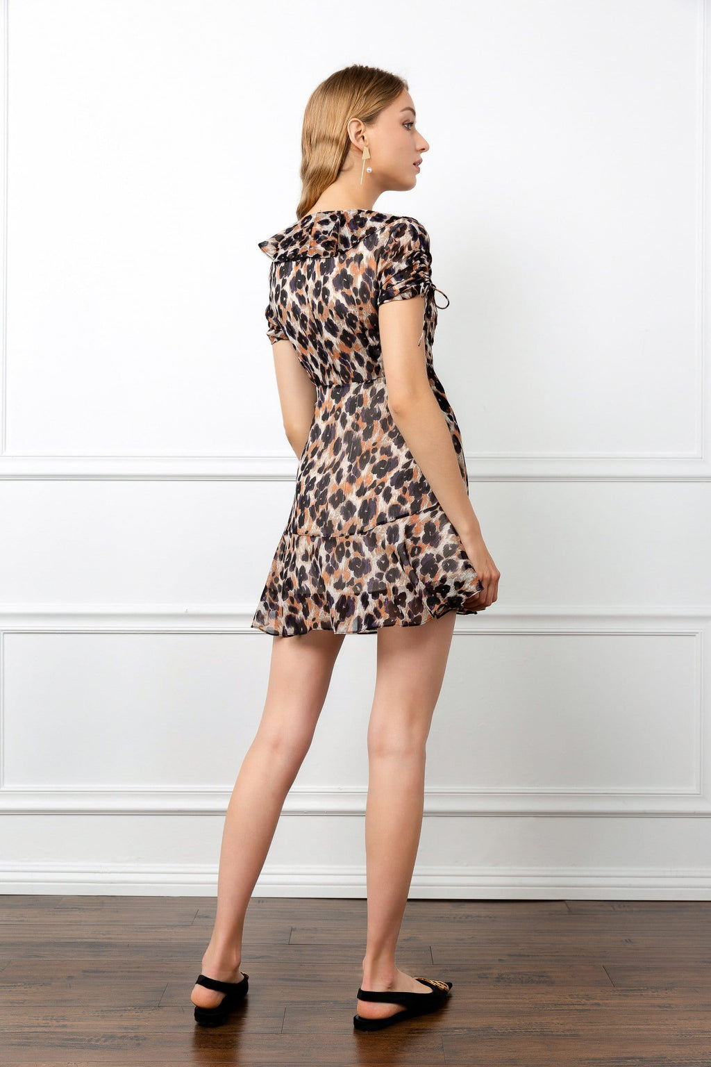 Leopard Print backside of dress cute j.ing