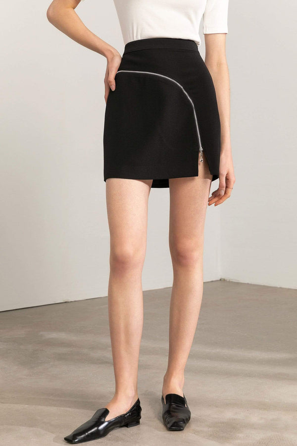 High-waisted black mini skirt with abstract zipper detail alternative by J.ING