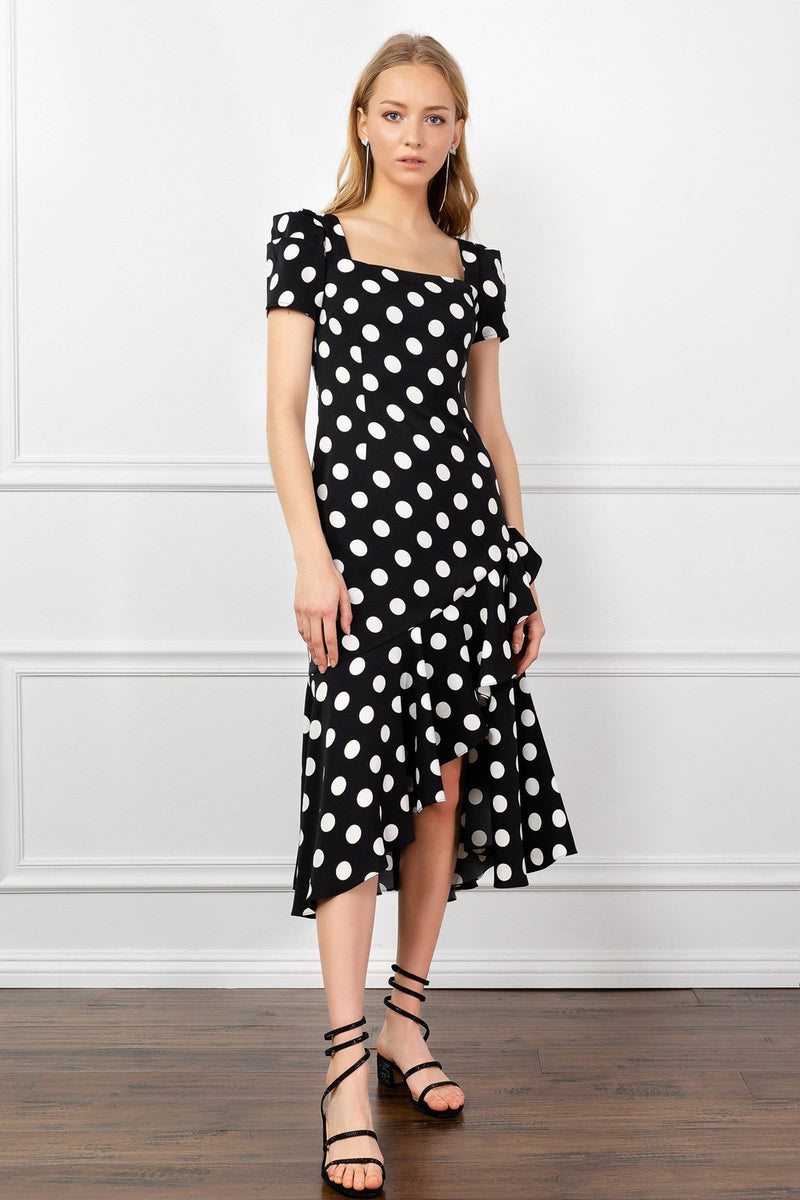 https://cdn.shopify.com/s/files/1/0015/5638/1732/files/Ada_Polka_Dot_Dress-VD.mp4?31553
