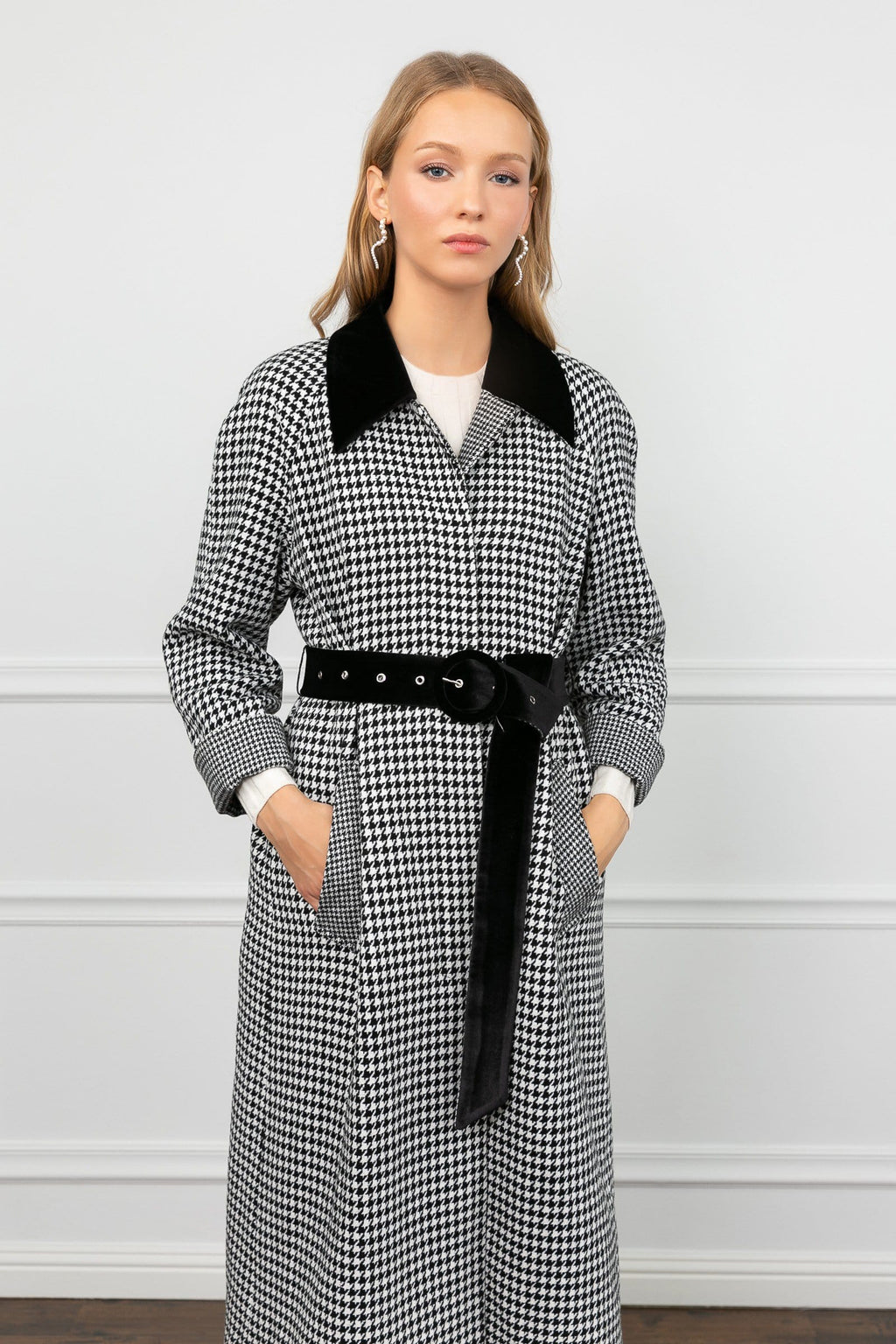Valley Black & White Hounds Tooth Coat