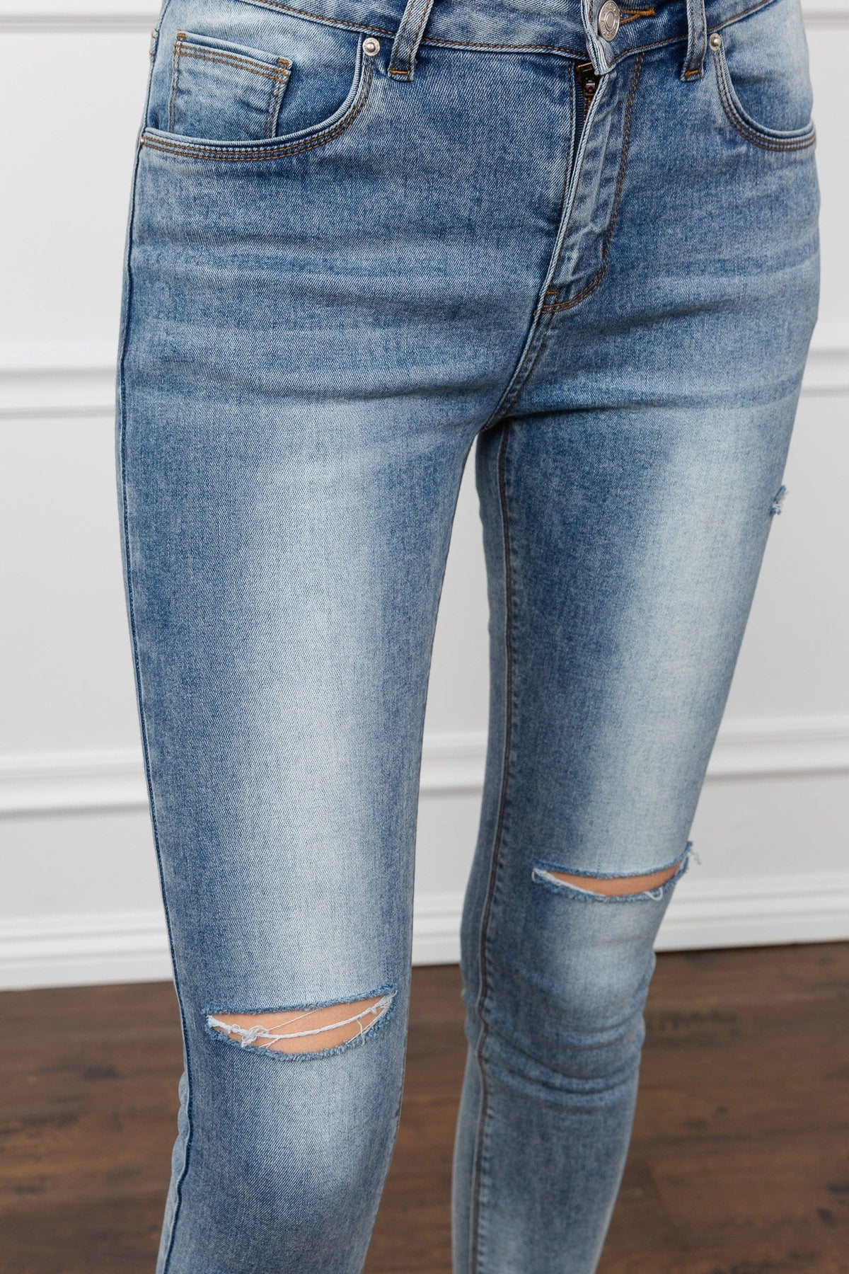 Slasher Cropped Jeans