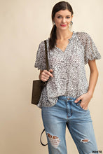 Load image into Gallery viewer, Leopard Twisted Sleeve Blouse