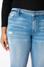 Load image into Gallery viewer, Megan KanCan Jeans | Curvy