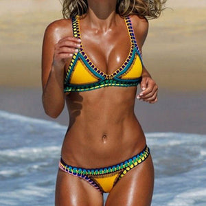 2018 New Swimsuit European Brazilian Crochet Bikini Suit Multi-Color Triangle Swimsuit Knitted Beach Swimsuit Free Shipping