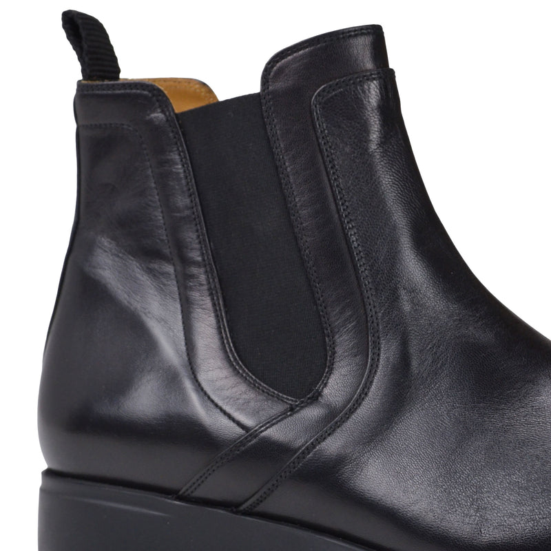 Vicolo Twin-Gore Leather Chelsea Boot - Black - FINAL SALE