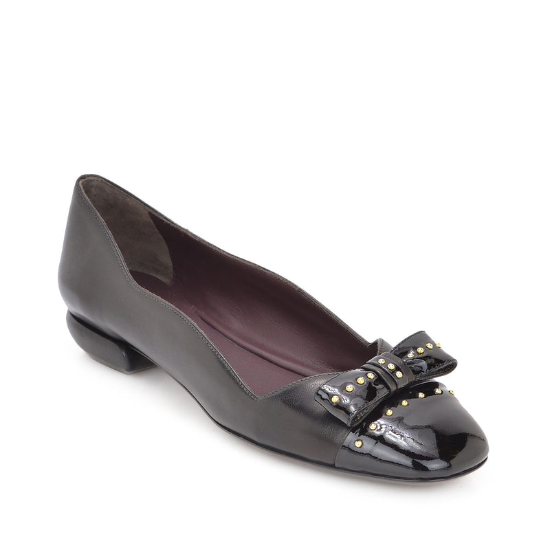 Cloe Leather/Patent Leather Flat, 1-Inch - Black Leather/Patent Leather