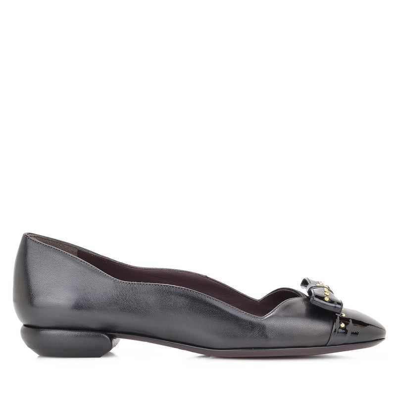 Cloe Leather/Patent Leather Flat, 1-Inch - Black Leather/Patent Leather - FINAL SALE