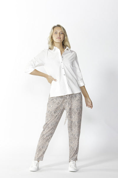Lisbon Tapered Pant Women | Lyn Rose Boutique