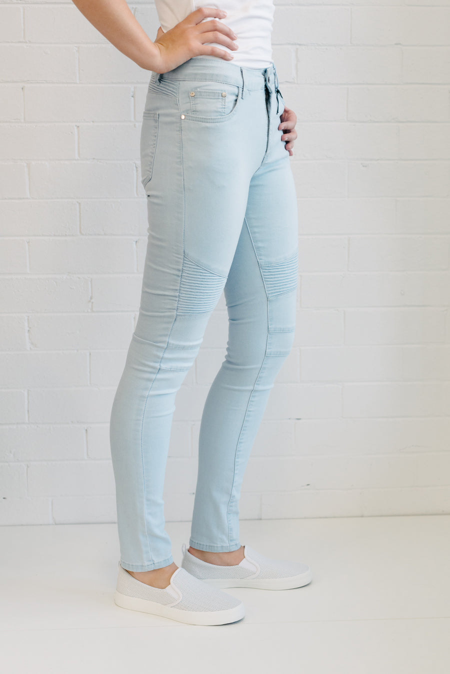 Ribbed Knee Jeans Women Light Wash | Lyn Rose Boutique