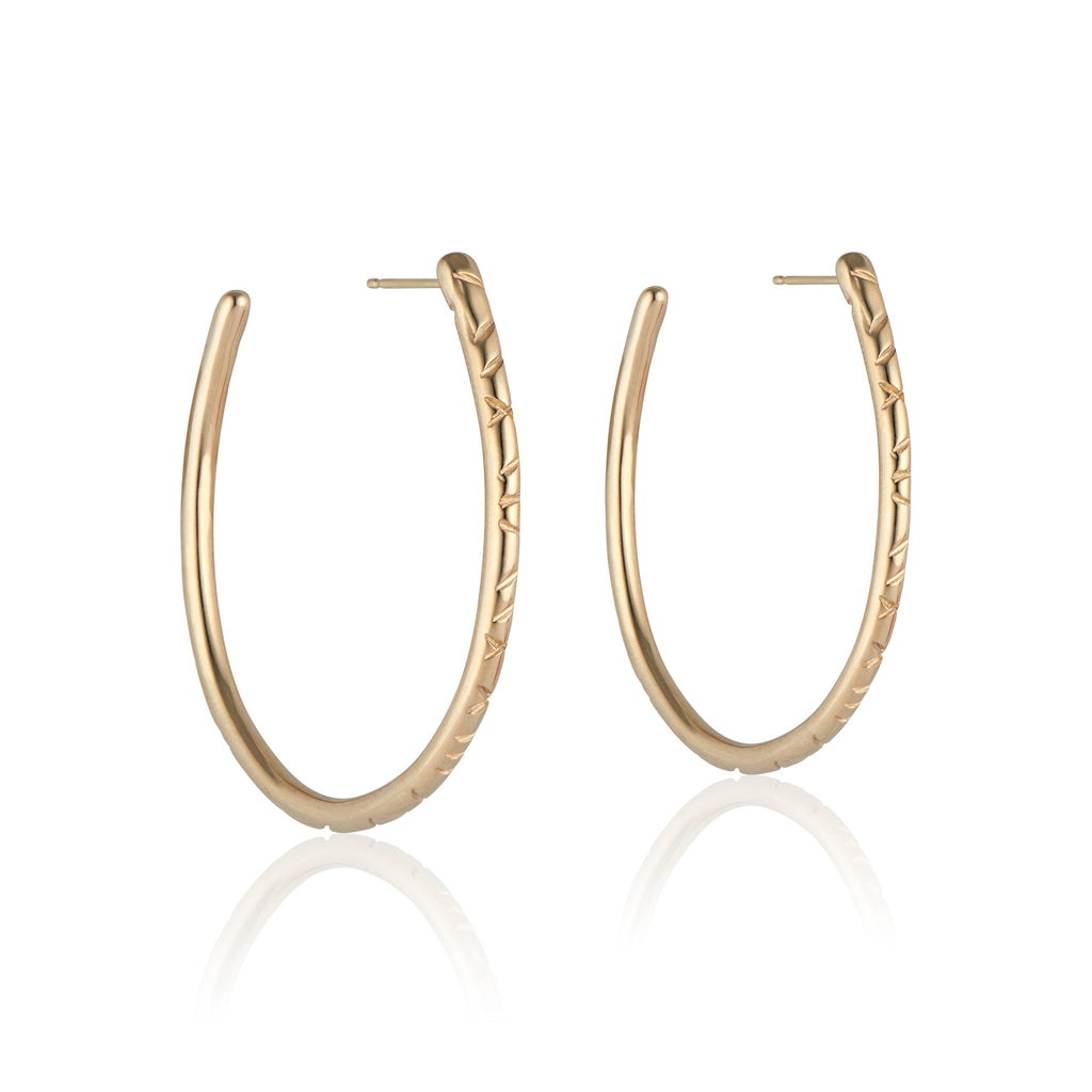 The Erin Hoop earring designed by Natalie McMillan is an absolute staple. Just the right size and none of the heaviness, this hoop is perfect for every day wear.