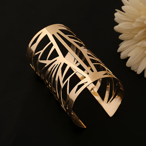 Hollow Pattern Bangle Bracelet (FREE SHIPPING)