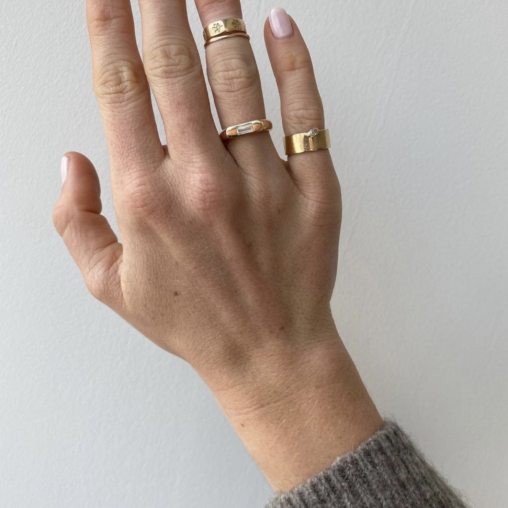 Two Pockets Ring
