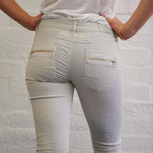 Load image into Gallery viewer, Italian Star Jeans - Dove