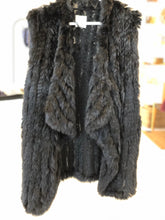 Load image into Gallery viewer, Fur vest - black