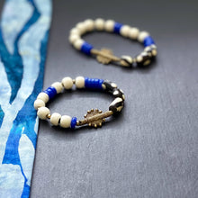 Load image into Gallery viewer, Blue and White Shield African Beaded Bracelet