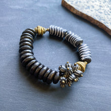 Load image into Gallery viewer, Black and Cream Cluster African Beaded Bracelet  (pre-order)