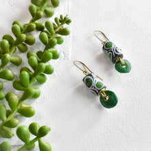 Load image into Gallery viewer, Black and Green Krobo Petal Earrings