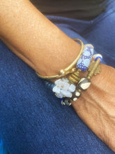 Load image into Gallery viewer, Blue Krobo and Lace Agate Cluster African Bracelet