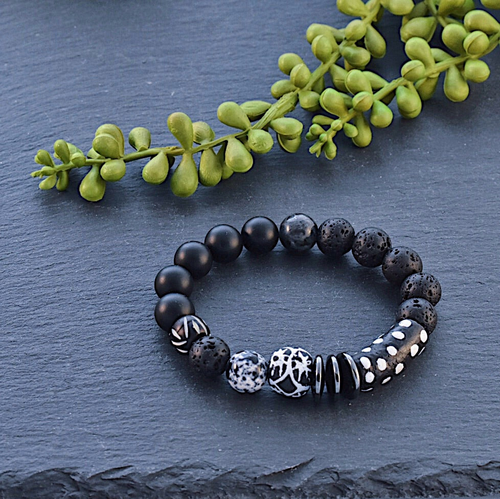 Black and White African Beaded Bracelet with Lava Stone and Agate - Afrocentric jewelry