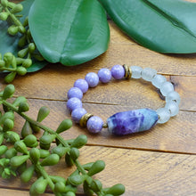 Load image into Gallery viewer, Fluorite and African Glass Bracelet