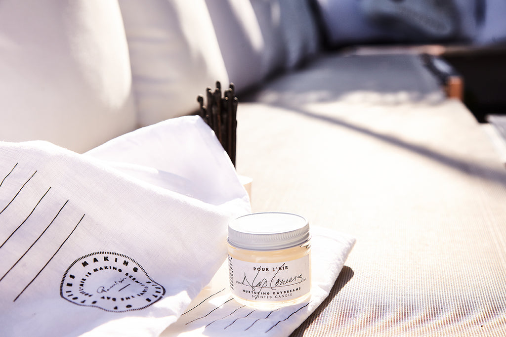 Nap Lovers travel candle by Pour l'air is a soy candle, a fig candle that smells of fresh cotton.