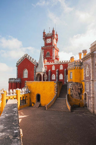 Walk the streets of the charming Sintra