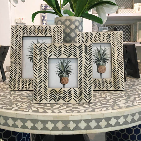 Etched Pattern Photo Frame
