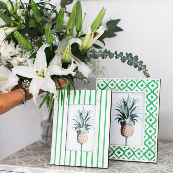 Green Stripe Pattern Photo Frame