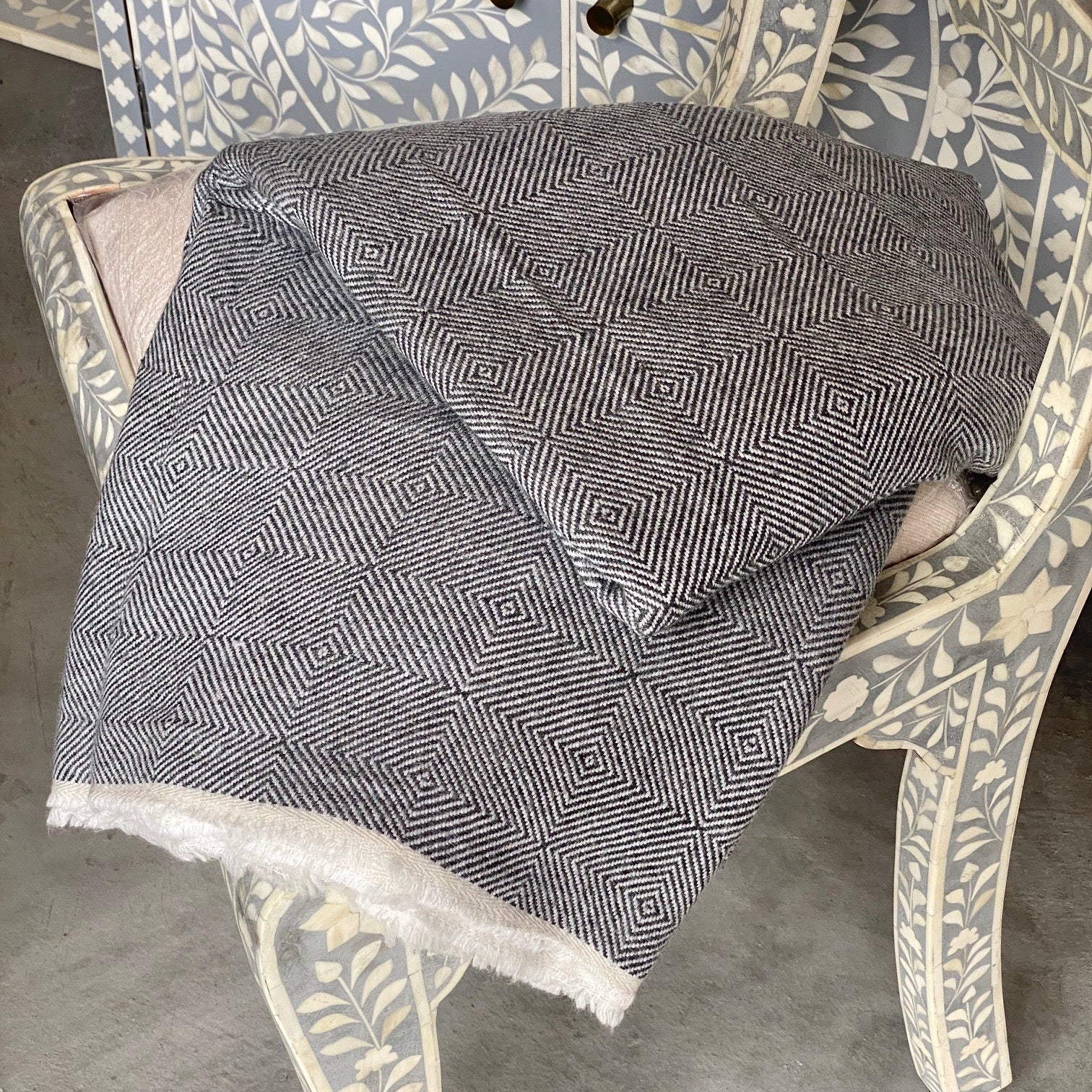 Cashmere Throw - Black Large Diamond