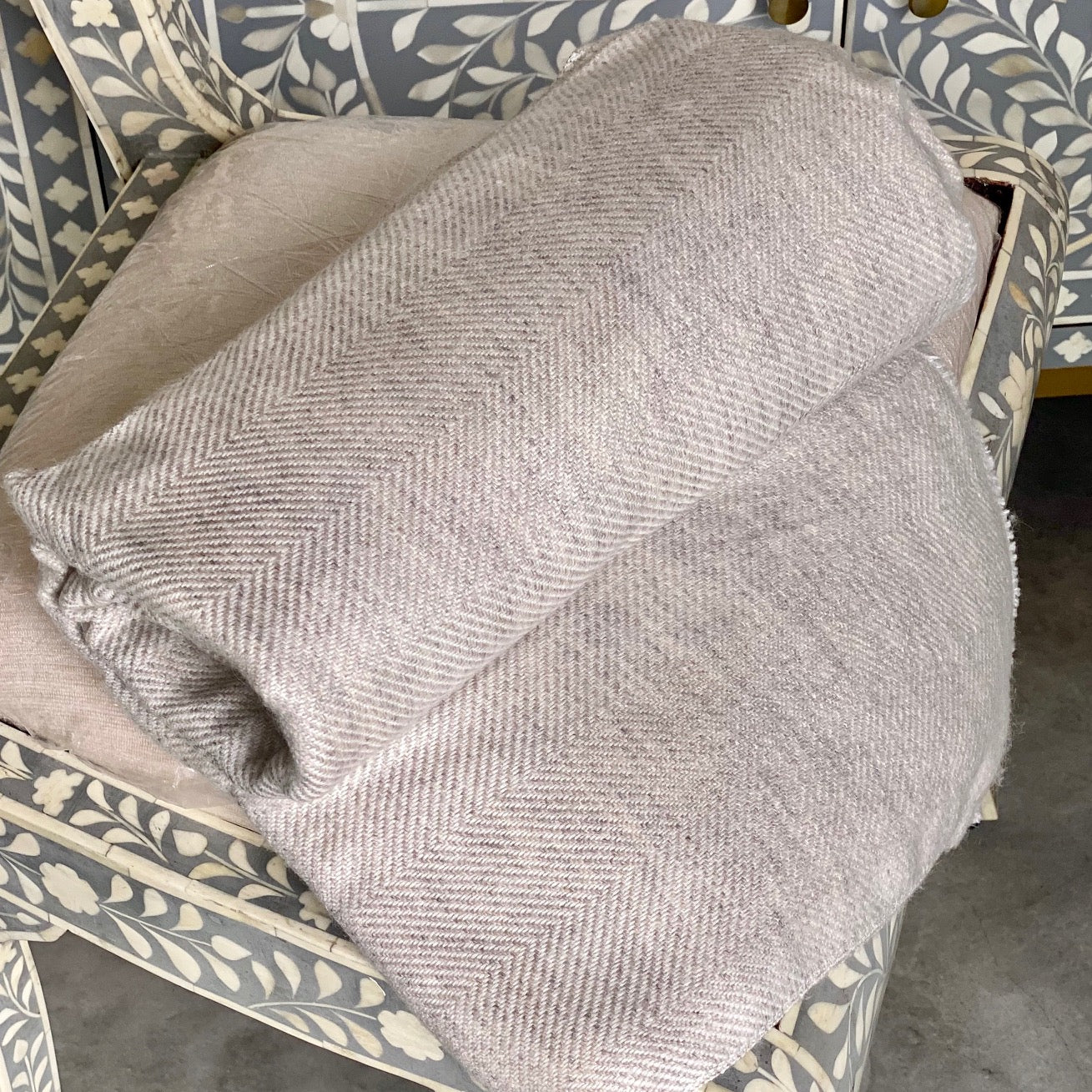 Cashmere Throw - Tan Thin Zig Zag