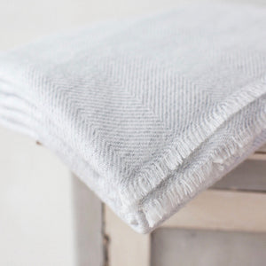 Cashmere Throw - Grey Thin Zig Zag
