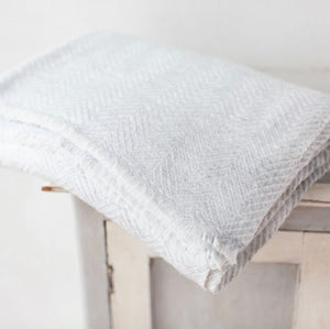 Cashmere Throw - Silver Long Zig Zag