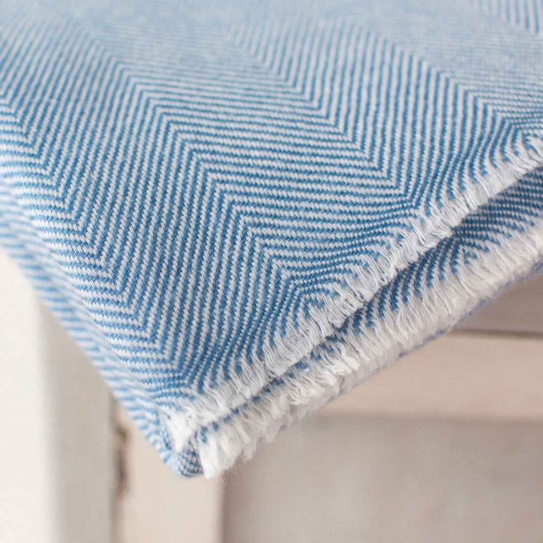 Cashmere Throw - Sky Blue Thin Zig Zag