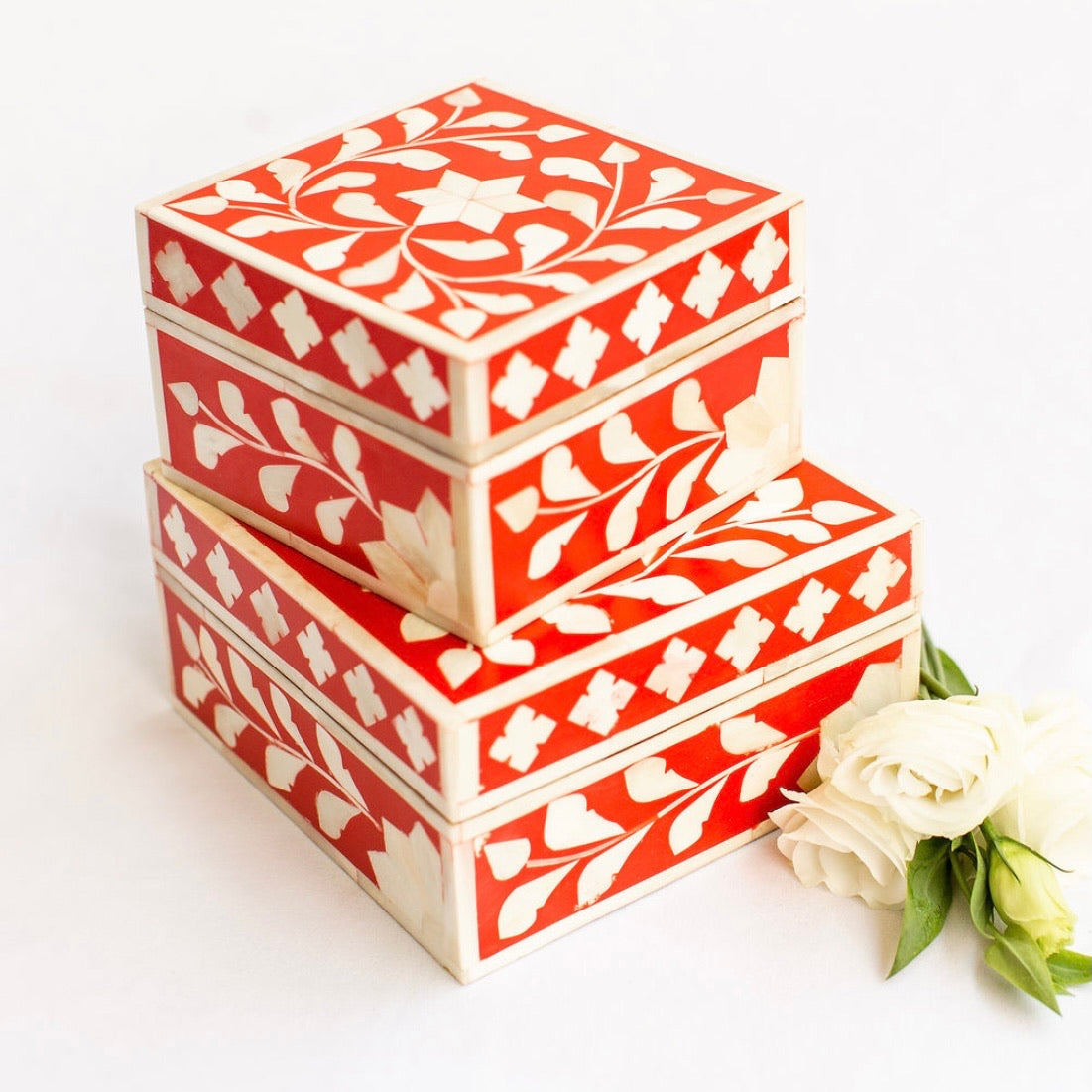 Red Leaf Pattern Box