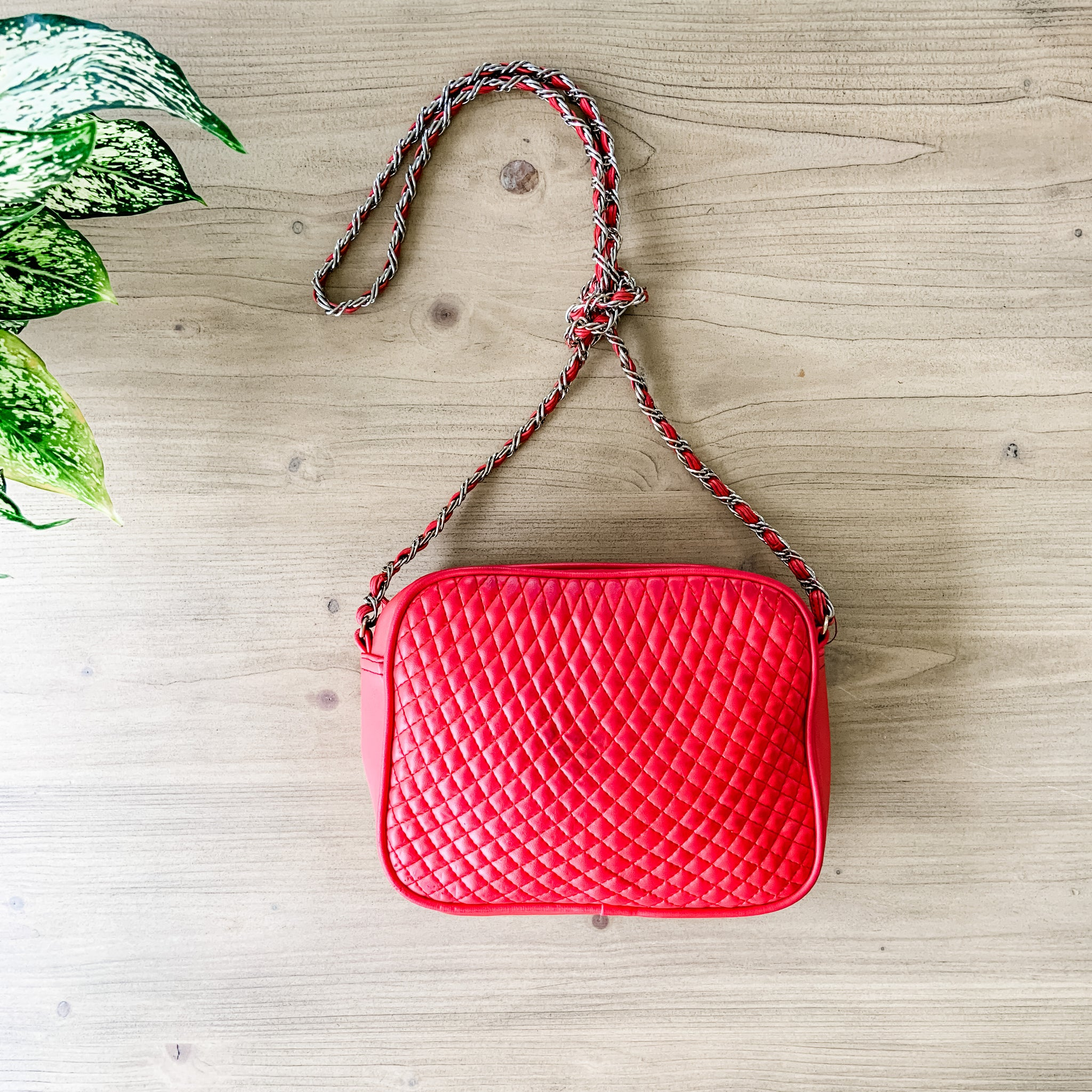 Vintage cross body quilted red imitation leather purse