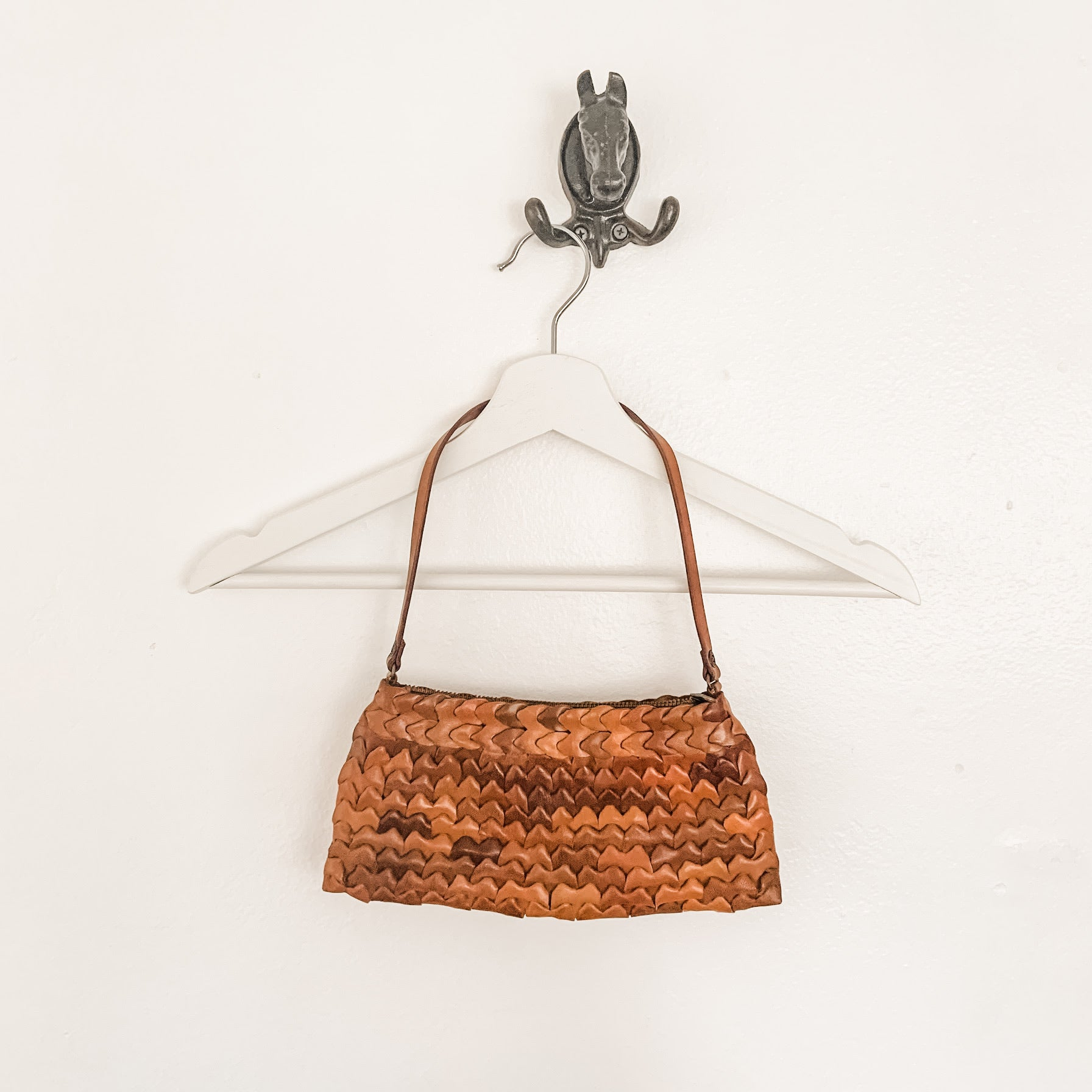 Beautiful vintage camel woven leather handbag