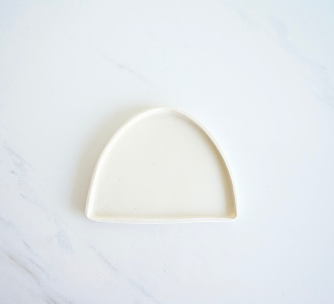 HALF CRESCENT NATURAL PORCELAIN TRAY