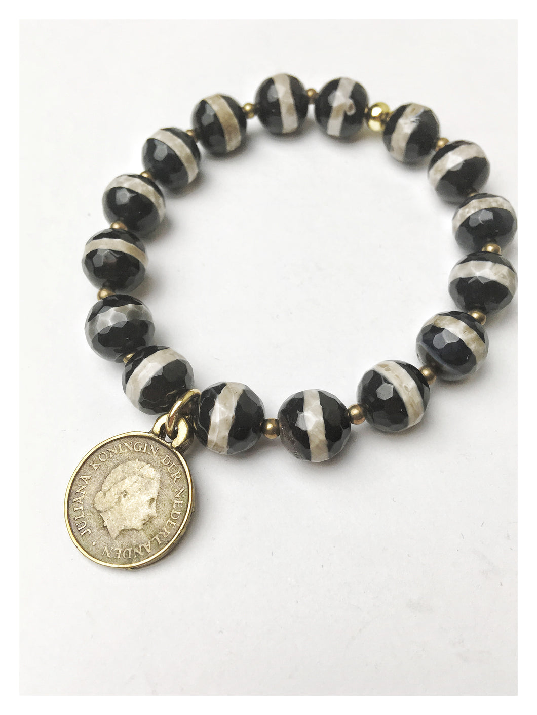 Striped faceted agate stretch coin bracelet