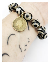 Load image into Gallery viewer, Striped Agate Dutch Coin Bracelet