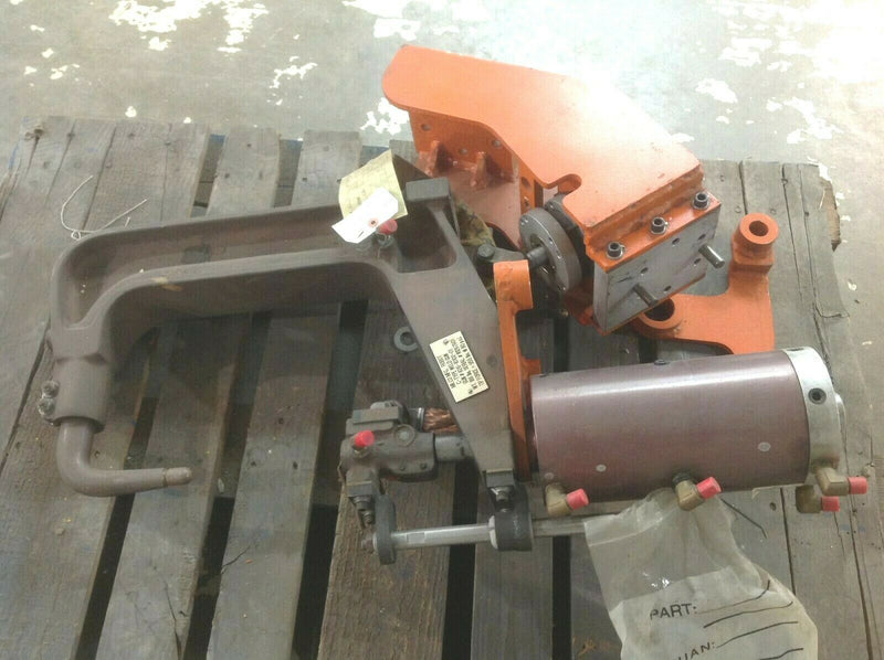 Milco MFG. 626-10102-01 Robot C Type Weld Gun 955lb Tip Force - Maverick Industrial Sales