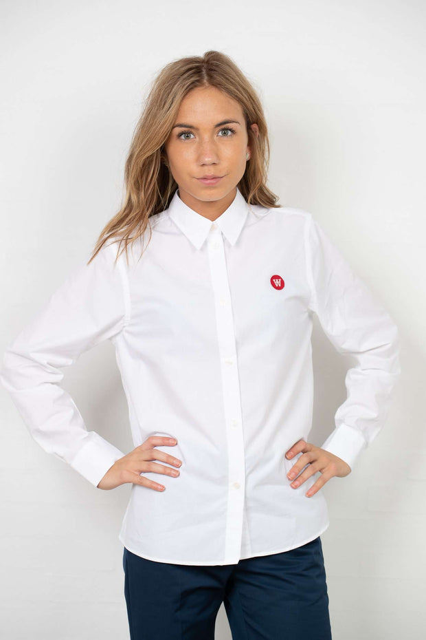Fae Shirt - White fra Wood Wood - front
