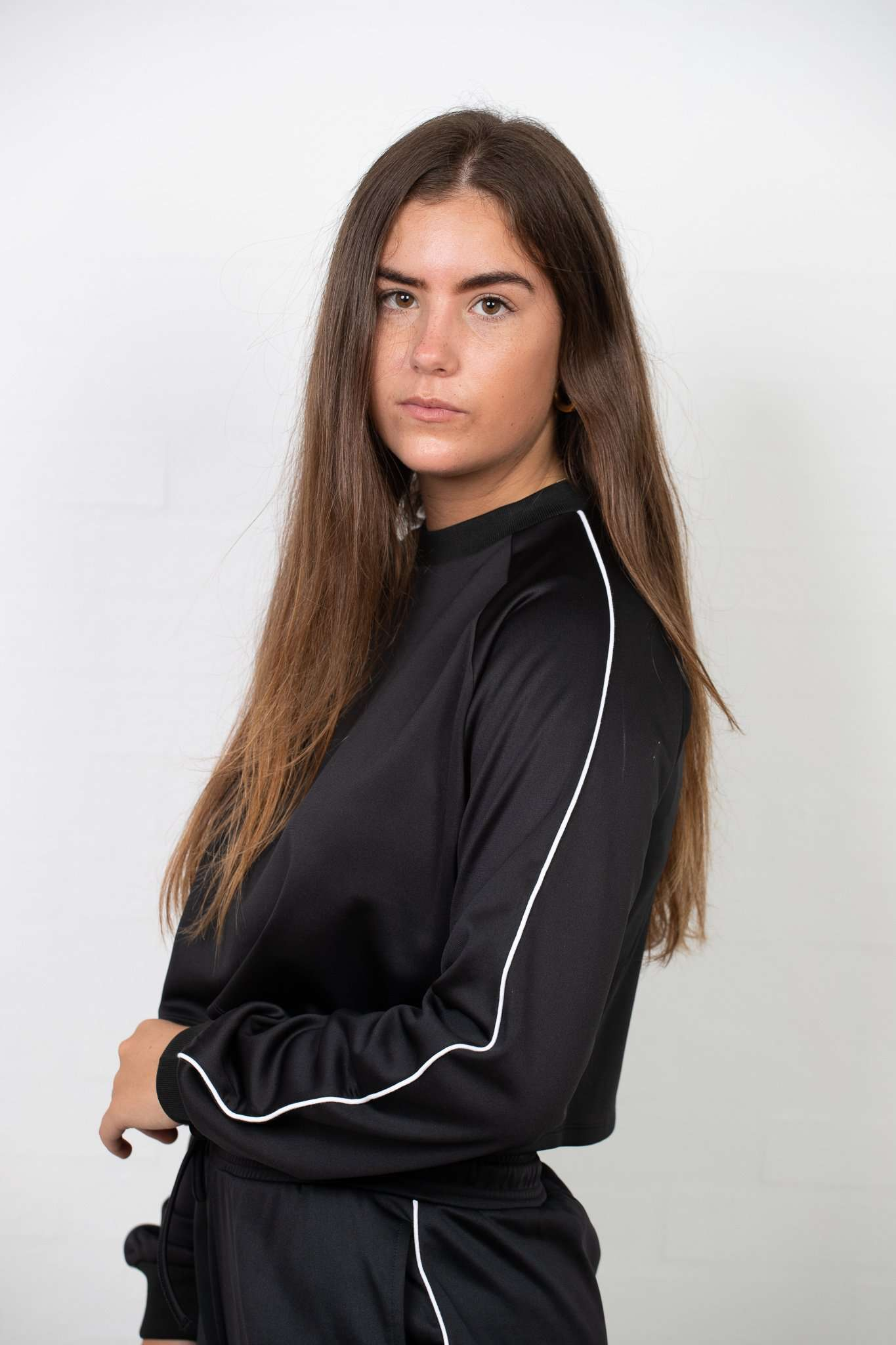 Image of   Cropped Track Sweatshirts - Sort L