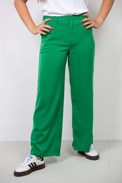Flared Shiny Suit Pants Green fra NA-KD